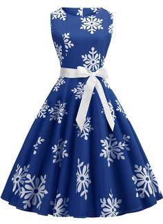 2b74ef766b8 Plus Size Vintage Snowflake Print Christmas Flare Dress