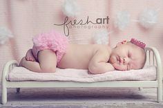 Behind the scenes | Newborn Photography | Fresh Art Photography - St. Louis Modern Lifestyle Photography