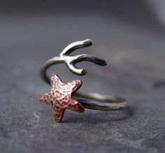 Starfish Ring  I love this ring!  Would wear it on my pinky! Need to look into metal crafts and making jewelry!  This can be done using the correct metals & tools I bet!