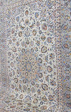 204049. MATTA, Orientalisk, grön Keshan, 390 x 280 cm. – Auctionet My First Apartment, Lund, Persian Rug, Home Art, Carpets, Student, Inspiration, Home Decor, Carpet