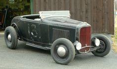 Drawn & Quartered: New Rolling Bones Roadsta! 1932 Ford Roadster, Car Man Cave, Dream Car Garage, Traditional Hot Rod, Drag Cars, Train Car, Us Cars, Drag Racing, Ducati