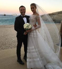 Ana Beatriz Barros gets married in Valentino wedding dress. Photo: Instagram