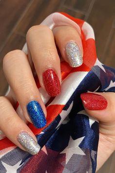 July 4th Nails Designs, 4th Of July Nails, Toe Nail Designs Summer, Fourth Of July Decor, Nail Colors For Pale Skin, Patriotic Nails, Usa Nails, Best Acrylic Nails, Almond Acrylic Nails