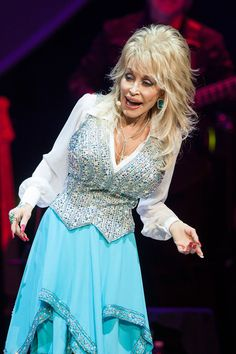 Dolly Parton Photos: Dolly Parton Performs At The Agua Caliente Casino. Singer Dolly Parton Performs at Agua Caliente Casino on January 24, 2014 in Rancho Mirage, California.