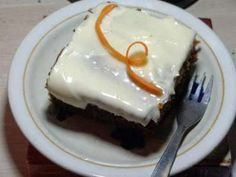 Φανταστικό πολύ αφράτο και πολύ δροσερό  Κέικ με καρότο και γλάσο , ιδανικό για κάθε περίσταση!