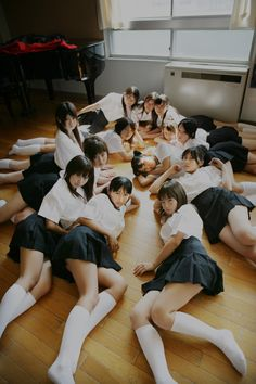 The best study partners can offer personal and academic support. School Uniform Girls, Girls Uniforms, High School Girls, Japanese School, Japanese Geisha, Japanese Fashion, Cosplay, White Knee High Socks, Knee Socks