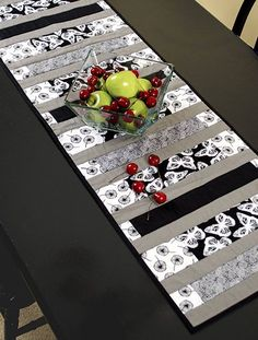 = free pattern = Neutrals table runner at Fabric Editions