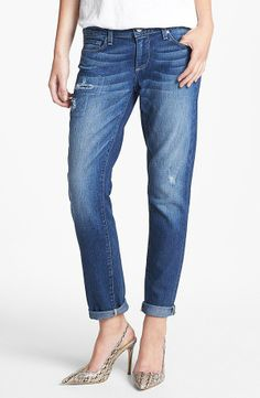 How Do Boyfriend Jeans Fit | The roomy boyfriend jean officially became a classic sometime in the ...