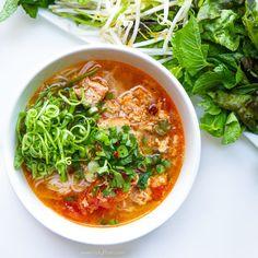 Vietnamese Pork & Crab Noodle Soup (Bun Rieu Cua Thit) — Vietnamese Home Cooking Recipes - Recipes - Vietnamese Soup, Vietnamese Cuisine, Vietnamese Recipes, Asian Recipes, Asian Desserts, Rice Noodle Soups, Beef Noodle Soup, Beef And Noodles, Garlic Noodles