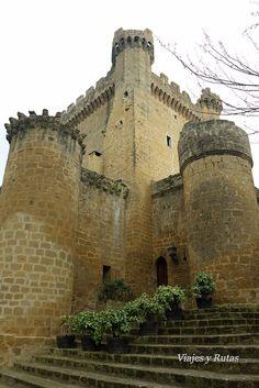 Sajazarra uno de los pueblos más bonitos de España King's Landing, Chronicles Of Narnia, Romanesque, Moorish, Urban Planning, Barcelona Cathedral, Spain, Places To Visit, Iglesias