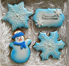 Soft Sugar Cookies, Cut Out Cookies, Royal Icing Cookies, Cupcake Cookies, Christmas Sugar Cookies, Christmas Cupcakes, Christmas Baking, Christmas Desserts, Airbrush Cake