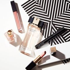 For your classically chic BFF who gravitates toward all things pink. Clockwise from left: Pure Color Nail Lacquer in Ballerina Pink, Pure Color Envy Sculpting Gloss in Copper Ego, #ModernMuse Eau de Parfum, Sumptuous Knockout Mascara, and #LipstickEnvy in Desirable. Curate a custom gift now in store, or shop for yourself using the link in our bio. (We won't tell.)