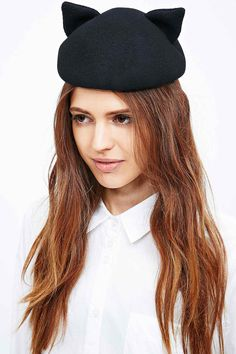 Helene Berman Cat Hat in Black - Urban Outfitters