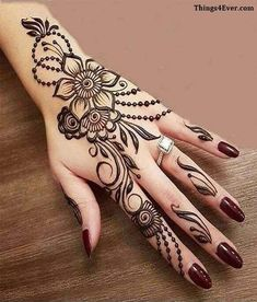 Mehndi henna designs are always searchable by Pakistani women and girls. Women, girls and also kids apply henna on their hands, feet and also on neck to look more gorgeous and traditional. Latest Henna Designs, Simple Arabic Mehndi Designs, Mehndi Designs For Girls, Mehndi Design Images, Beautiful Mehndi Design, Latest Mehndi Designs, Designs Mehndi, Modern Henna Designs, Henna Hand Designs