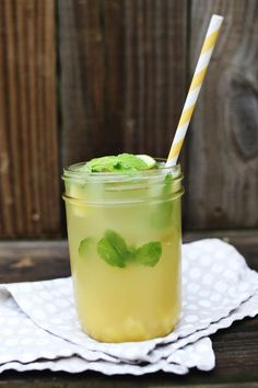 {A Beautiful Mess} Pineapple Mojito : A classic mojito - simple syrup + pineapple juice + 1/4 c of pineapple pieces = a delightful pineapple drink