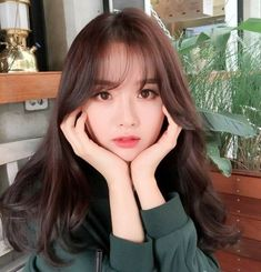 Ulzzang Icons 얼짱 - {girls} - Page 2 - Wattpad Korean Bangs Hairstyle, Korean Haircut, Hairstyles With Bangs, Girl Hairstyles, Korean Hairstyles, Ulzzang Hairstyle, Korean Short Hair Bangs, Korean Medium Hair, Japan Hairstyle