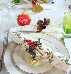 Christmas table decorations photos