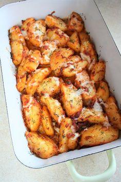 Pieczone pikantne ziemniaczki z serem