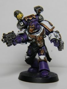 Emperors Children Legion Apothecary w/ Artificer-Armour.
