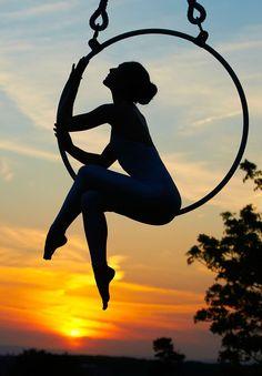 flight of fancy - Nicole Pearson, Lyra// I want a photo like this!