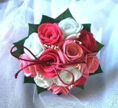 Mini bouquet holder felt alliances white roses by BodasyPrincesas