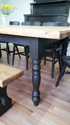 27 Perfect Brilliant Farmhouse Kitchen Table Design Ideas And Makeover. If you are looking for Brilliant Farmhouse Kitchen Table Design Ideas And Makeover, You come to the right place. Cottage Dining Rooms, Farmhouse Dining Room Table, Farmhouse Furniture, Painted Farmhouse Table, Dining Table Makeover, Country Furniture, Farmhouse Ideas, Vintage Farmhouse, Modern Farmhouse