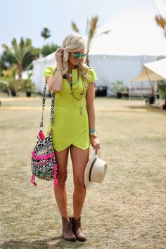 #Festival #StreetStyle #Neon #Dress #Outfit #Green #Hat #Style #Fashion #Summer #BiographyInspiration