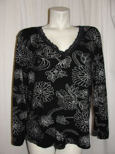 Chico's Women's Top Black White Floral V-neck Lace Trim Shirt Size 3 XL/14/16 #Chicos #KnitTop #CareerCasual