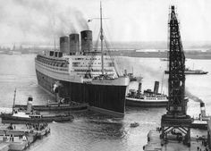 TS 'Queen Mary' going into dry dock, Southampton, 13 July 1949.
