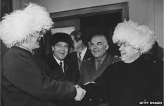 The Finnish President is greeting Khrushchev at the doorway into a sauna. Saunas, Doorway, Finland, Presidents, Art, History, Entryway, Steam Room, Kunst
