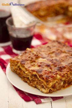 I'm Sonia and today we'll be preparing a pasta dish from the Emilia-Romagna region -- Lasagne Bolognese Italian Dishes, Italian Recipes, Ragu Bolognese, Pasta Recipes, Cooking Recipes, Cannelloni, My Best Recipe, Crepes, Gourmet