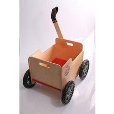 Cavalo de balanço pequeno é um brinquedo tradicional, mas sempre um sucesso entre as crianças! Você encontra no Mamãe Achei!