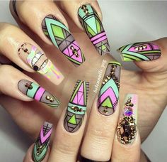 Toe nail art will attract much attention to your feet. Use these wonderful nail art ideas and your creativity to get the perfect result. Gorgeous Nails, Love Nails, Pink Nails, Pretty Nails, Girls Nails, Long Nail Designs, Beautiful Nail Designs, Nail Art Designs, Aztec Nail Designs
