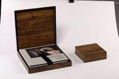 Resultado de imagem para caixas de madeira para album de casamento