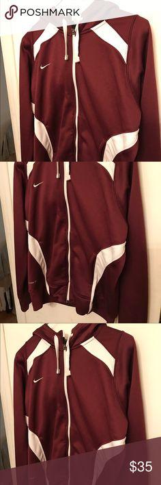 Nike hoodie in excellent condition Nike hoodie in excellent condition Tops Sweatshirts & Hoodies