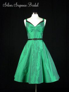 50s Vintage Reproduction Gathered Bust Tea Length Dress with Belt. I love this, and I'd still make it green and black ;)