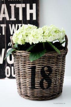 18 - HOUSE of IDEAS Orientalische Dekorationsartikel und Bunzlauer Keramik Indoor Gardening Supplies, Container Gardening, Basket Planters, Wicker Baskets, Love Garden, Home And Garden, Garden Ideas, Pot Jardin, Pot Plante
