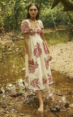 Get inspired and discover Agua by Agua Bendita trunkshow! Shop the latest Agua by Agua Bendita collection at Moda Operandi. Pretty Outfits, Pretty Dresses, Beautiful Dresses, Style Personnel, Looks Vintage, Facon, Fashion Dresses, Dress Up, Vintage Fashion