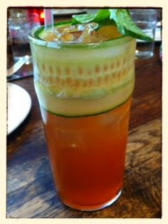 Pim's Cup with Cucumber Garnish / momskitchenhandbook.com