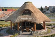 Undoubtedly incredible what these individuals did with this unique structure and plan. What a solid approach for a Round House Plans, My House Plans, Small House Plans, Large Gazebo, Wooden Gazebo, Built In Braai, Built In Bench, Thatched House, Thatched Roof