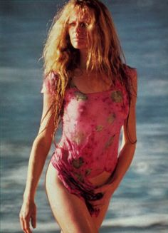 Notre sélection de photos chic et sexy de Kim Basinger. Our selection of chic and sexy pics of Kim Basinger. Kim Basinger, Playboy, James Bond Girls, Young Kim, Classic Image, Married Men, Oscar Winners, Straight Guys, Movie Stars