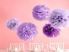 同じ紫でも色や大きさを変えるだけで、3Dっぽい感じになりますね。ちなみに今回使用した五色鶴というお花紙・・・なんと20色も色のバリエーションがあるんですよ♪ 黒や紫などシックな色からパステルカラーもあるので、いろいろなバリエーションで楽しめます!