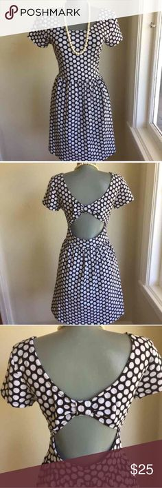 """Forever 21 Peek Opening Back Size M Summer Dress. Forever 21 Summer Dress.  Adorable. Stretchy Fabric.  Flat lay measurements. Between underarms 15 1/2"""". Waist 14"""". Length 33"""". Label says size L but more like M.  Please use measurements for fit.  Adorable. Forever 21 Dresses"""