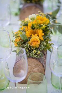 Montaje de mesas en color #fucsia, #turquesa y #verde para un brunch en el que participamos durante el mes de mayo en una casa privada de Benahavís ( #Málaga ). --/-- #Fuchsia, #turquoise and #green table set up for a #brunch that we prepared in may at a private house in #Benahavis (Malaga). | Goyo #Catering (2016) Flores: @vgflorista :: Fotos: @nanideperez
