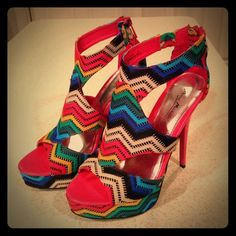 💋GLAMOROUS MULTI-COLOR STILETTOS💋 💋These Fabulous Multi-Color Stilettos by Anne Michelle are sure to turn heads!! Sexy with bold beautiful colors, & the height really shows off your calf muscle!💋1 inch platform in the front with approximately 5 inch heel (that's without platform factored in)💋Another FABULOUS Posh purchase, one of my 1st, that never made it out of the box. Says Size 8, but can fit a Size 9. If you're an 8, I suggest putting shoe padding towards ball of foot💋These were…