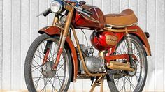 Auf Achse: Atala Freccia d'Oro - MOTORRADonline.de Ali, Beast, Wheels, Retro, Mopeds, Fountain Of Youth, Ant, Retro Illustration