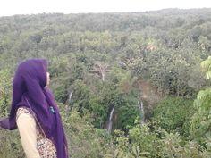 Bukit Tri Panjung, seeing sri gethuk waterfall from the top.
