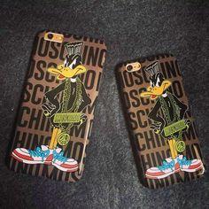 Moschino Daffy Duck iPhone 6/6 Plus Case Coffee