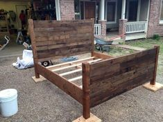 Recycled Pallet Queen Size Bed | Pallet Furniture