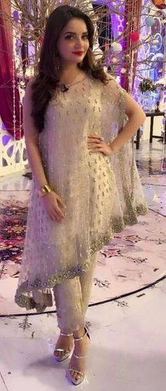 FatimaBi Plus size Fashion Indian Bridal Wedding Cape Style Anarkali Kameez Dres #FatimaBi #AnarkaliKameez